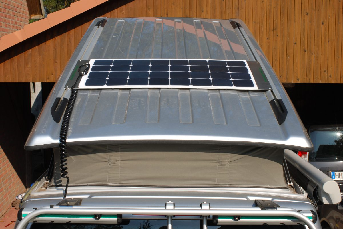 Flat solar system for campers - Premium Light 100 on VW California